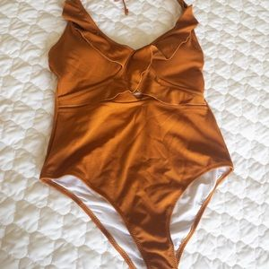 Cut out one piece halter swimsuit